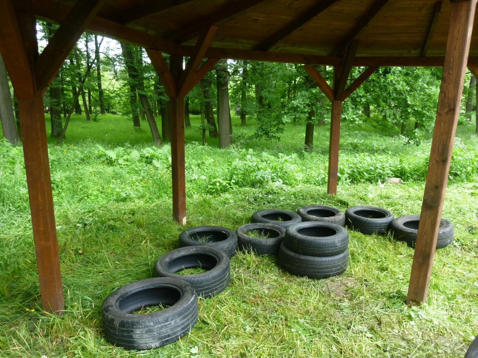 základy z pneumatík